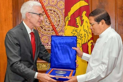 President receives medal from Interpol