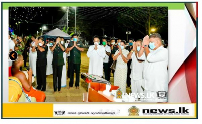 Army Chief Switches on Illuminations at Kataragama & Meets Troops Serving the Area